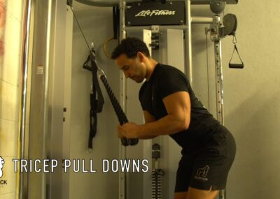 TRICEP PULL DOWNS CABLE